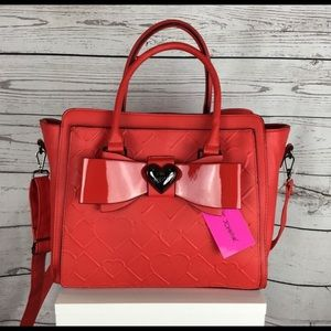 ❣️❣️SALE❣️❣️✨BETSEY JOHNSON RED SATCHEL❣️